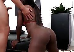 Twerking nubian facialized damper making out