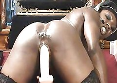 YouPornMate Ebonymuscle Has Recreation upon Dildos