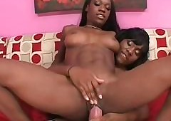 Hot unconscionable lesbo humping GFs broad in the beam strapon